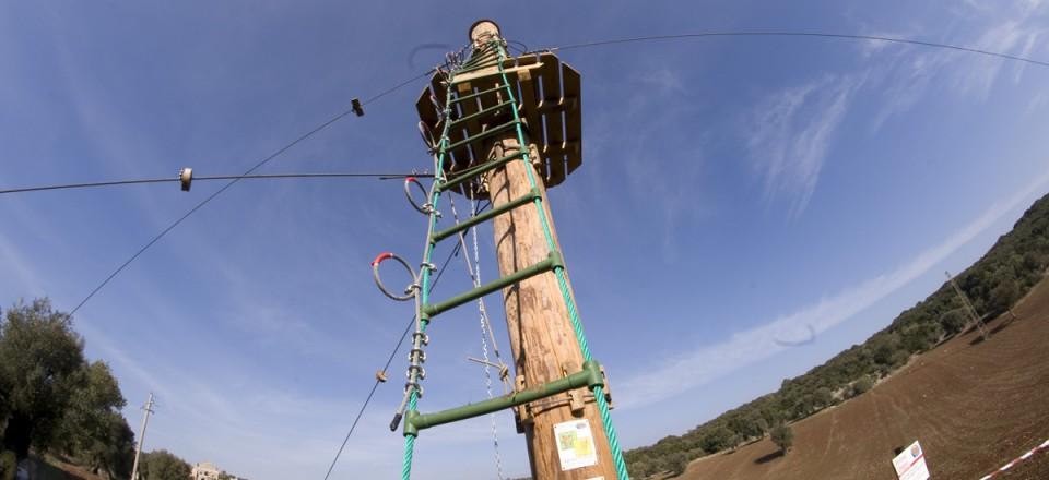 Teleferica nel parco avventura di Ostuni – scala di accesso